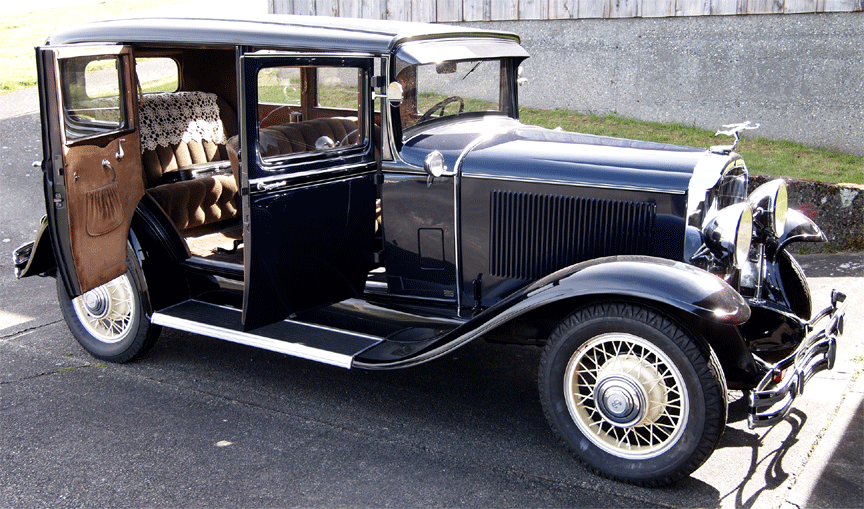 1931 Buick Suicide doors open side view
